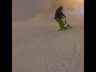 Данила Гришин на сноускуте в Финляндии
