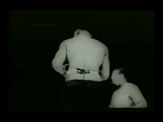 Джо Луис в нокдауне от Тони Галенто