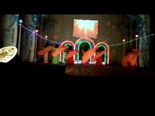 ученики студии арабского танца OASIS и руководитель выступают в Кармаскалинском РДК 30,12,2013г