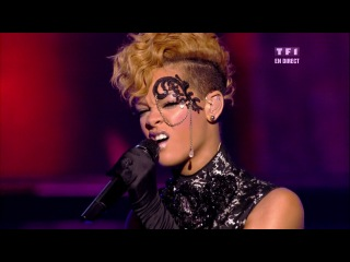 Rihanna - Russian Roulette (Live NRJ Music Awards 2010)