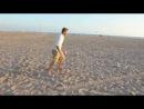 Дэвид Бэкхем на пляже в Лос-Анджелес показывает чудеса точности)Играй как Бэкхем!!