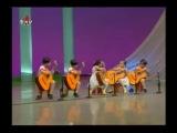 Северо-корейские дети играют на гитаре. Такие смешные =))