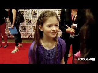Twilights Mackenzie Foy Talks Good Parents Rob and Kristen at 2012 Comic-Con