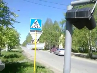 Как снесли светофор на пересечении Оплеснина и Первомайской (08 июня 2013 г.)