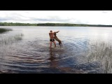 оз. Чернясто, д. Лялевщина. Как накачать плечи с помощью собаки! )) мой питбуль) мой любимый зверь)