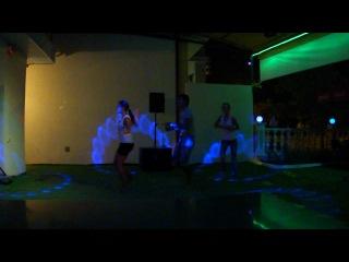 Ассирийский танец официантов