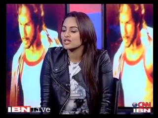 Shahid, Sonakshi shake a leg with CNN-IBN's Sushant Mehta.
