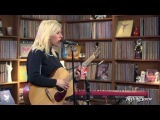 Ellie Goulding - Guns And Horses (Live at Rolling Stone)