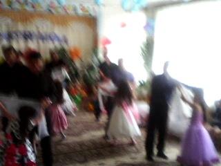 танец пап и дочек на выпускном в детском саду