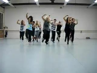 Слаженно ребята танцуют под 'On the Floor' - Jennifer Lopez (хореограф Jasmine Meakin) [HD]
