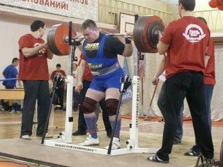 Тимур Гадиев - присед 400 кг на чемпионате ПФО 2010