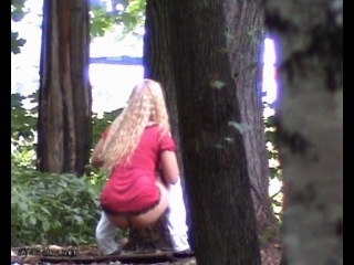 Порно подглядывал в лесу