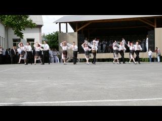 Ansamblu Martisor... Polka Hramu Voloca 2013...