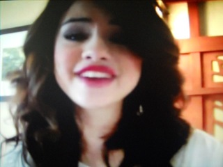 Selena-mary teefey-gomez  im real not fake http://vk.com/id228729470