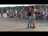красиво)Танец бачата с закрытыми глазами. Омск.