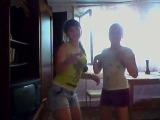 Аня и Лиза в исполнении песни