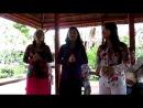 аборигенки исполняющие Катюшу на вьетнамском