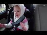 Малыши видео. Смешной малыш танцует под дабстеп)))