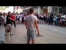 танцы на площади Каталания