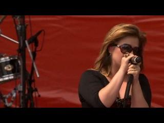 Kelly Clarkson @ Coca Cola Anniversary Concert 2011