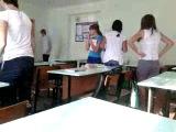 Урок биологии. 15.09.12. Счатливые 5 минут,когда учитель выходит из класса:)