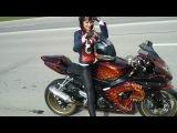девочка мото Эмма Мотогонщица Мотоциклы и мотоциклисты | Yamaha | Ktm | Honda | Suzuki | Ducati | Bmw | Kawasaki | Стантрайдинг | Трюки | Слет | Дрифт | Прохват | Дтп | Прикол | Мото |  Гонки | Драг |  Спортбайк | Драка | GoPro |