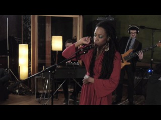 Akua Naru - Poetry: How Does It Feel (Live & Aflame Sessions)