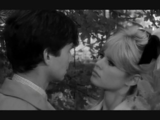 Une ravissante idiote (1964)