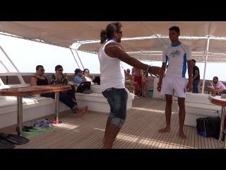 прогулка на яхте....арабы жгут)