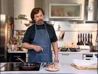 Мужская еда. Жаренная курица и салат