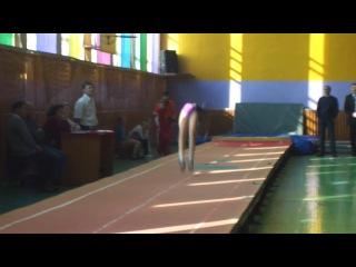 Я чемпионка Дальнего Востока по прыжкам на акробатической дорожке!!!!