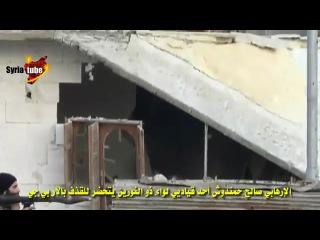 Сирия. Боевик из рпг7 выстрелил в лестницу. - 1 террорюга