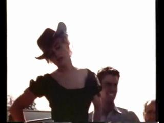 Мэрилин Монро между дублями на съемках фильма