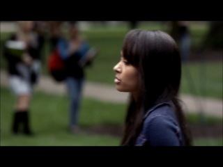 Дневники Вампира - 404 - Деймон, Бонни и Елена приезжают в колледж (Озвучка Кубик в кубе)