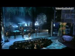 Britney Spears — I'm A Slave 4 U (Live MTV VMA 2001)