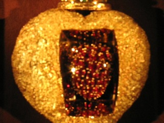 Рубиновое сердце от Сальвадора Дали