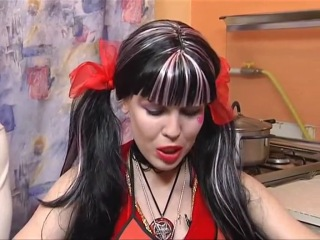 Карина Барби песня о Шоу бизе