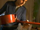 КАК ИГРАТЬ В ТРАВЕ СИДЕЛ КУЗНЕЧИК НА ГИТАРЕ. Как не купить паленую гитару?? как правильно выбрать недорого гитару. Где купить недорого в спб гитару для начинающих, как научиться играть, разбор аккордов, порно фейк, шлюха показывает свою гитару и сосет в попу дает член струны нейлон. Где молодая пара в постели секс любовь, наркоманы