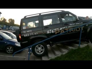 Toyota vs UAZ part 2 УАЗ ТОЙОТА Внедорожник прикол автомобиль авто на лестнице ● Клуб Экстрим 4х4 Великий Устюг ●