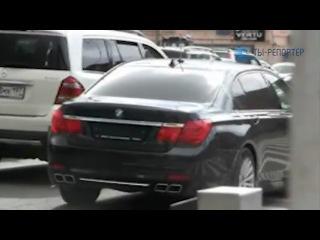 Бэха с номерами АМР сбила мотоцикл на Тверской-Ямской улице в Москве