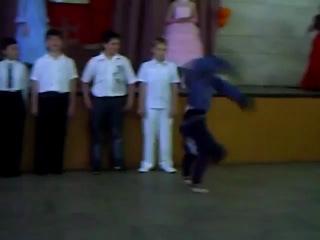 >Солирует Никита Винокуров (School Bboy Flava)