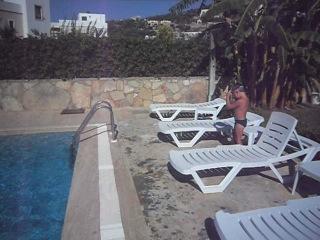 Яся плавает 2012г лето Турция