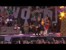 Miley Cyrus Performs We Can't Stop