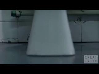 Анимация о сексе и СПИДе маркером в общественном туалете