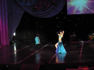 Алена Новикова и Екатерина Копань- красивый восточный танец про любовь