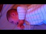 Амир поет (4,5 месяца)