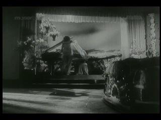 Влюблённая душа (Неблагодарность) / Bewafa 1952 . вторая часть . В ролях: Радж Капур, Наргис, Ашок Кумар, Нилам, Сиддикуи