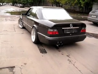Mercedes-Benz W124 - E500 AMG
