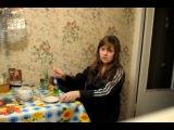 ахааха)девушка учит как пить абсент))