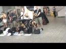уличные музыканты в метро Нью Йорка